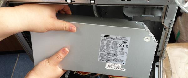 PowermacG4MDD出張修理で電源交換