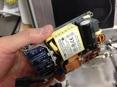 iMac インテルホワイトボディの電源ユニット交換